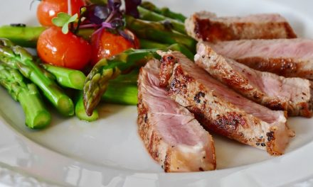 Dieta low carb | O que é, vantagens, riscos e mais