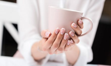 Conheça a função e os benefícios do Colágeno para as unhas