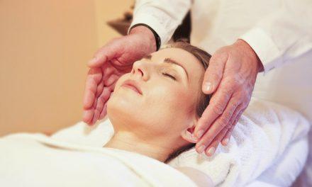 Cuidados estéticos para a pele oleosa durante o ano