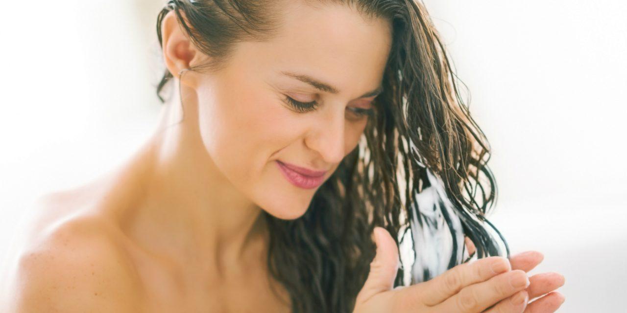 Vitamina C no cabelo? 3 Dicas para diminuir o frizz